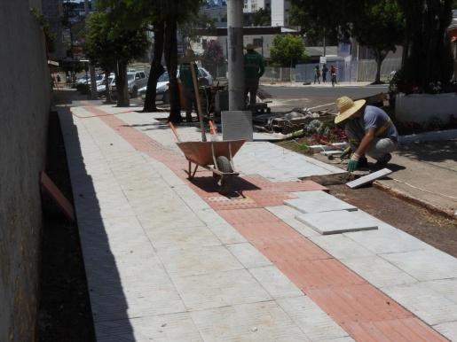 Prazo para adequação de calçadas no Centro encerra no final do mês