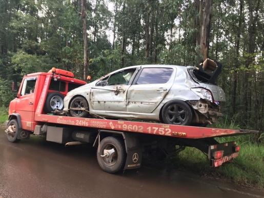 Bebê morre após ser ejetado de automóvel durante acidente em SMOeste