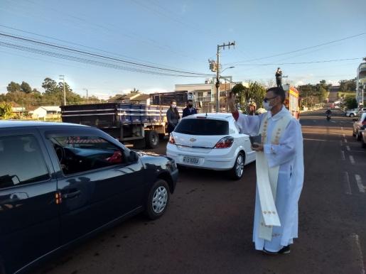 Igreja Matriz São José realiza benção do Dia do Colono e Motorista