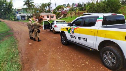 Com auxílio do Canil PMR identifica motorista que abandonou veículo após fugir de abordagem policial