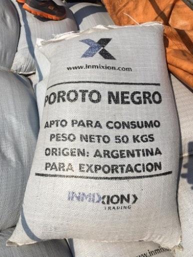 Polícia Federal apreende caminhão carregado com 16 toneladas de feijão da Argentina