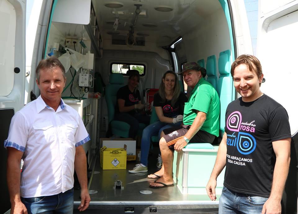 Pit Stop Saúde mobiliza homens no último dia do Novembro Azul